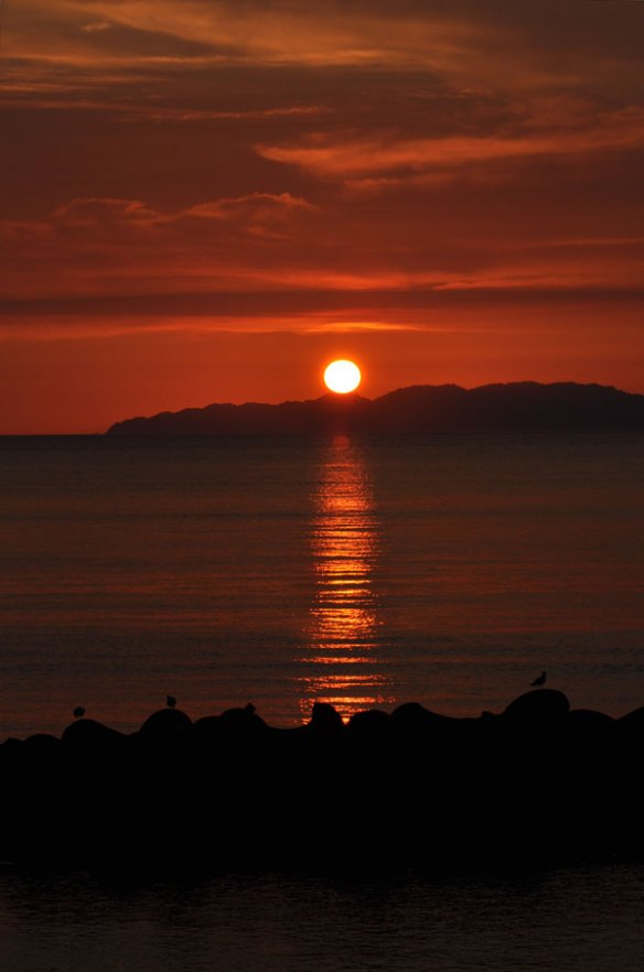 The setting sun of the Sasagawanagare