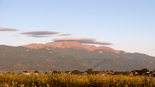 Lenticular cloud over Pikes Peak