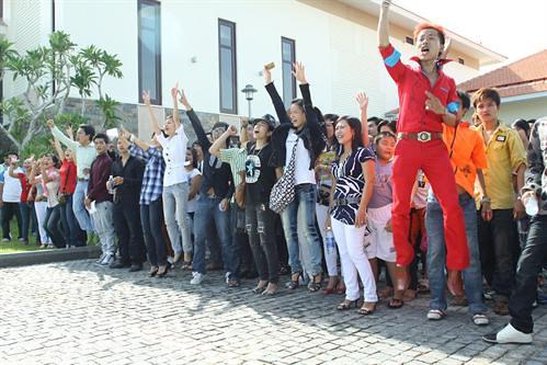 large_200810012838_Chàng Siêu nhân của ngày thử giọng (áo đỏ)