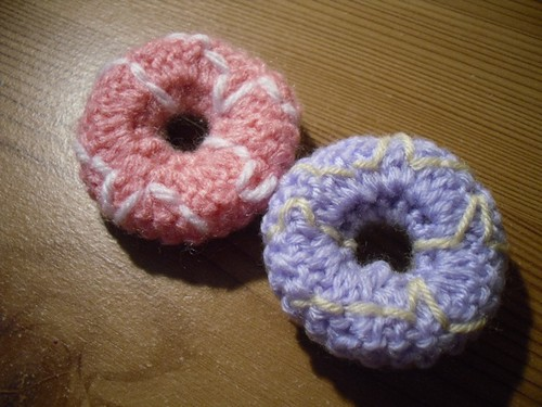 Knitted party rings