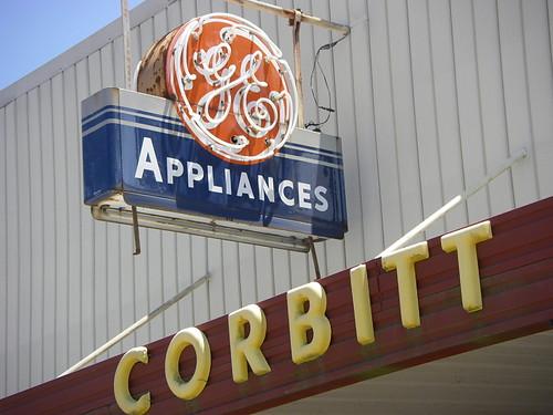 vanishing-south-georgia-willacoochee-atkinson-county-georgia-neon-g-e-general-electric-sign-corbitt-small-town-business-main-street-america-americana