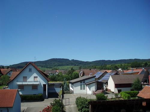 Blick vom Balkon für @wuertz : da hinter dem Kaiserstuhl ist das @johnerDE