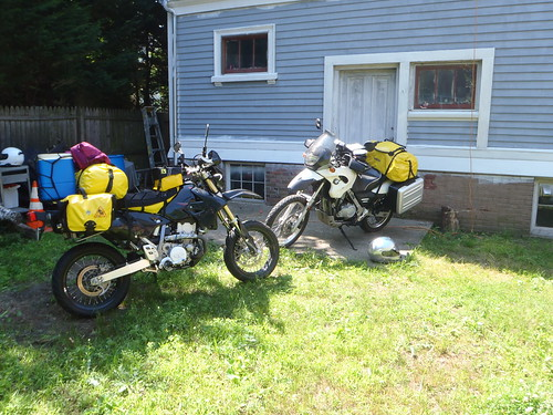 Elsa & Maxx packed up and ready for the ride to Cape Breton