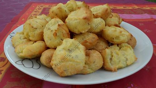 Chouquettes au carvi et parmesan / Caraway and parmesan puffs