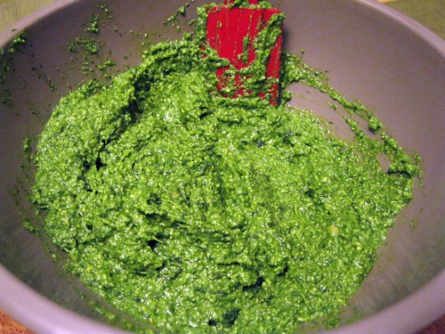 Spinach Pesto in Bowl (closer)