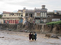 Pakistan floods: thousands of houses destroyed...