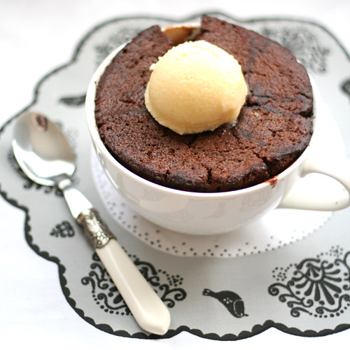 chocolate chestnut self-saucing pudding