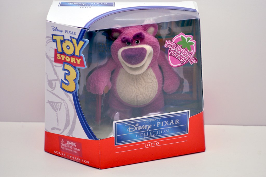 2010 sdcc toy story 3 lotso hugs bear
