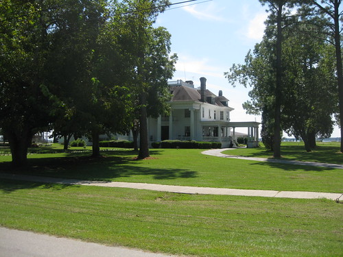 River Forest Manor Bed-n-Breakfast & Marina, Belhaven, NC