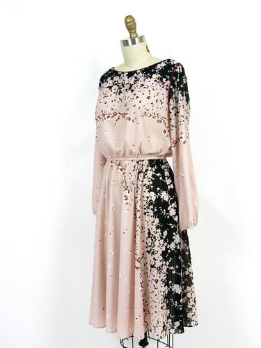 VINTAGE 1970's JAPANESE GARDEN DRESS