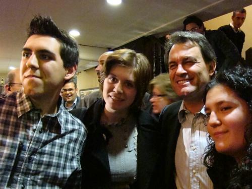 Artur Mas, amb amics del Facebook al bar Zuric de Barcelona (foto Clàudia Trujillo).