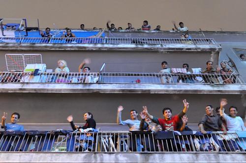 Άνθρωποι και μπαλκόνια // Men on balconies