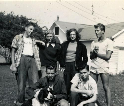Joan Richmond and friends 1945
