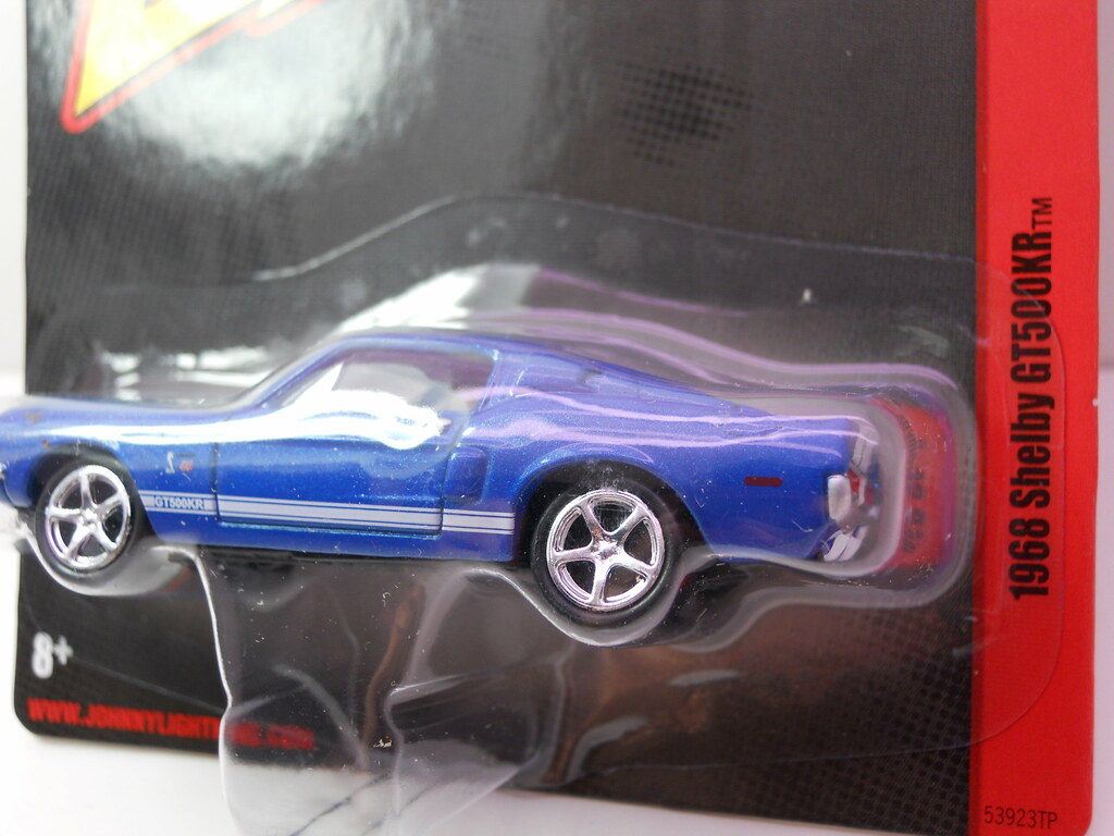 JOhnny Lightning 1968 Shelby GT500KR (3)