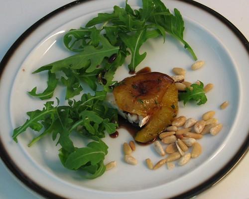 Salade van gegrilde abrikozen en geitenkaas
