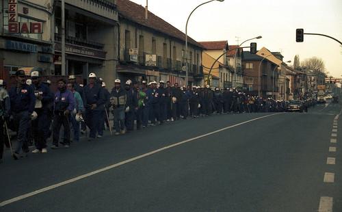 Marcha Negra por la travesía de San Rafael camino de Madrid.