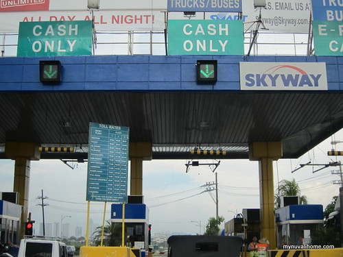 SLEX tollbooth