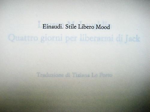 Lauren McLaughlin, Quattro giorni per liberarmi di Jack, Einaudi Stile Libero 2010; progetto grafico di Riccardo Falcinelli; occhietto (part.), 1