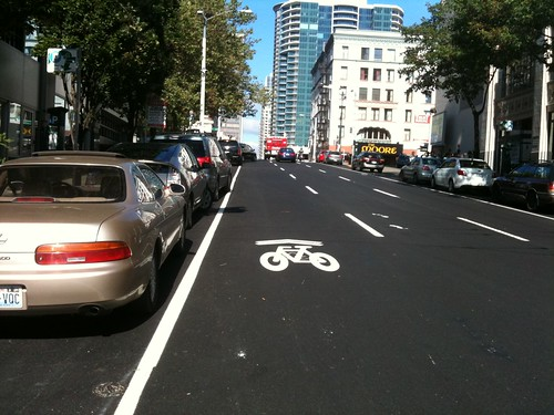 sharrow next to defined parking zone