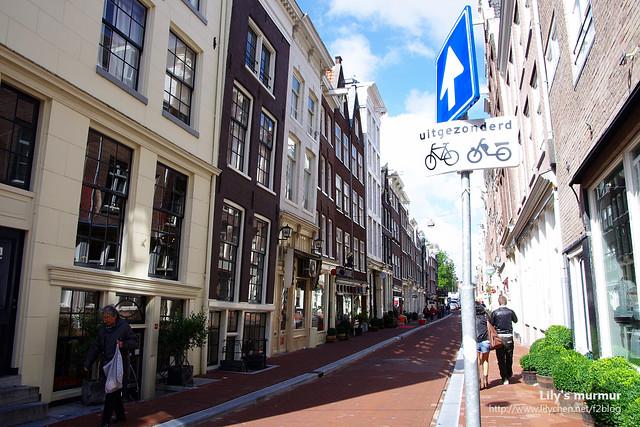 到處都可以看得到腳踏車標示,表示那裡是可以騎腳踏車的。