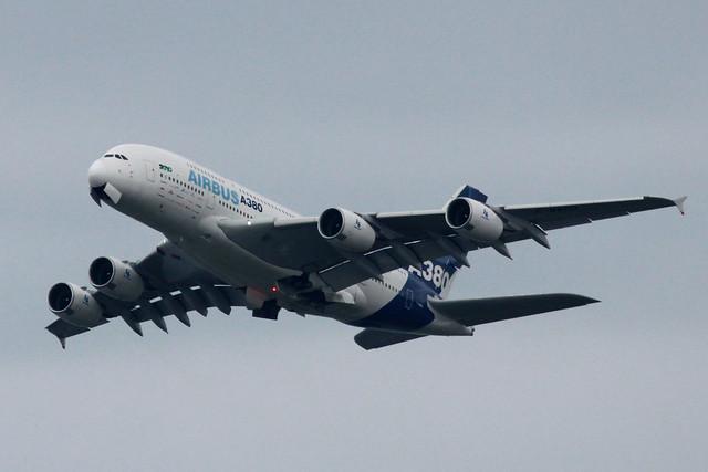Airbus Industrie A380-800(F-WWDD)