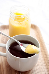 Lemon curd and tea