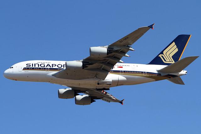 Singapore Airlines A380-800(9V-SKH)