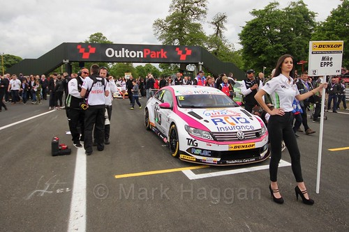Mike Epps on the grid at Oulton Park, May 2017