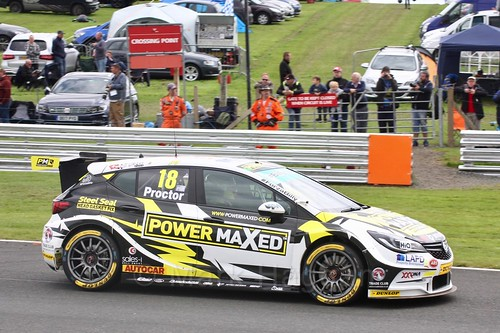 Senna Proctor in BTCC action at Oulton Park, May 2017