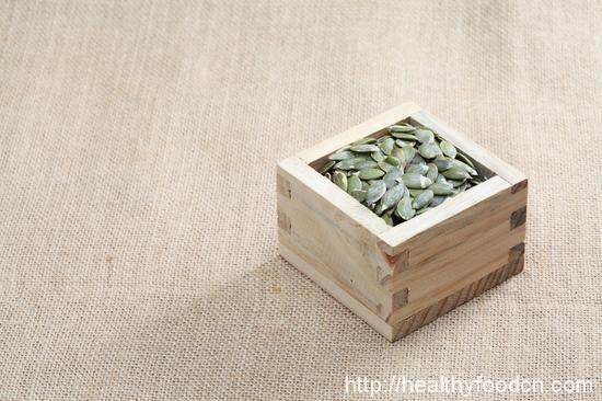 Tips  Eating pumpkin seeds is good 34321843826_bb9624b8aa_o