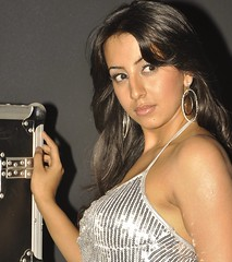 South Actress SANJJANAA Hot Unedited Exclusive Sexy Photos Set-26 (35)