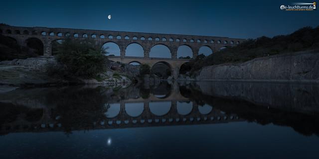 Pont du Gard under the moon