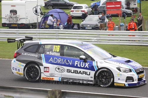 Ashley Sutton in BTCC action at Oulton Park, May 2017