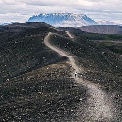I'm liking this day hike thing. I have time for a coffee in the morning and get to see some highlights of Iceland. Here's the path around the massive crater Hverfall. Pretty gnarly stuff. . . . #theworldwalk #travel #iceland
