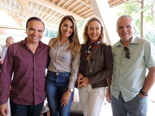 Eu e Jailton, do Plox, Grazi, da Fundação Emalto, e Carlos Souto