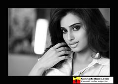 Indian Actress DIMPLE CHOPADE Hot Photos-Set-1 (5)