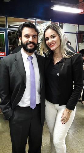 O presidente da ACIATI, Ronan Delfim Machado, e a noiva, Daniela Silveira