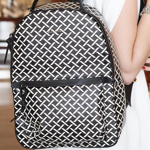 A vida moderna pede uma mochila cheia de estilo