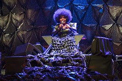 """Elza Soares - Primavera Sound 2017 - Jueves - 1 - M63C3821 • <a style=""""font-size:0.8em;"""" href=""""http://www.flickr.com/photos/10290099@N07/35009618966/"""" target=""""_blank"""">View on Flickr</a>"""