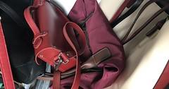 """Die Handtasche Groß und klein: Frauen haben für jeden Anlass die richtige Handtasche, oder? • <a style=""""font-size:0.8em;"""" href=""""http://www.flickr.com/photos/42554185@N00/37202462732/"""" target=""""_blank"""">View on Flickr</a>"""