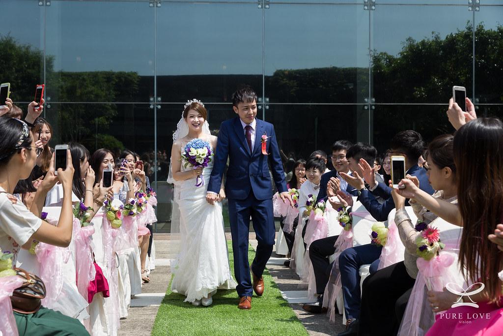攝影師是新竹婚攝Lewis