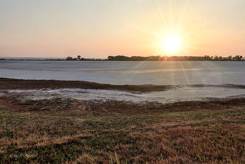 Salt pond drying / Sós tó kiszáradva