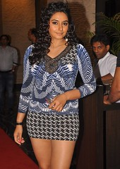Indian Actress Ragini Dwivedi  Images Set-1   (54)