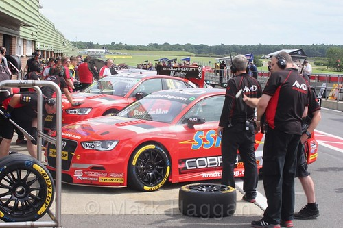 Ollie Jackson and Ant Whorton-Eales at Snetterton, July 2017
