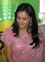 Indian Actress Ramya Hot Sexy Images Set-1 (74)