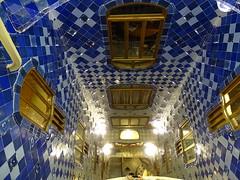 "Casa Batlló Gaudi Barcelona • <a style=""font-size:0.8em;"" href=""http://www.flickr.com/photos/160223425@N04/23943703527/"" target=""_blank"">View on Flickr</a>"