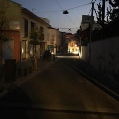 """.@isalvatierra: """"418 famílies del centre sense llum durant 7 hores. Locals comercials afectats. Activitats culturals suspeses. No és un cas aïllat. Fa mesos que a Tiana hi ha talls constants de llum a diferents parts del poble. Demanem a l'Ajuntament que"""
