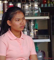"""Girl in Chiang Rai • <a style=""""font-size:0.8em;"""" href=""""http://www.flickr.com/photos/23163398@N00/37746002794/"""" target=""""_blank"""">View on Flickr</a>"""