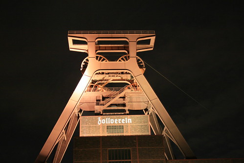 "Zeche Zollverein • <a style=""font-size:0.8em;"" href=""http://www.flickr.com/photos/160223425@N04/24032873247/"" target=""_blank"">View on Flickr</a>"