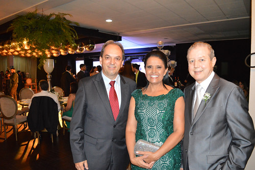 Luciano Araújo com os pais da noiva